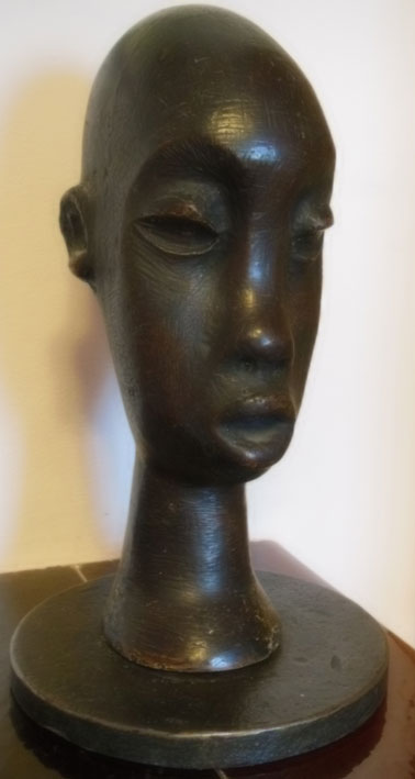 "Lucas SITHOLE LS6318 ""Swazi Princess"", 1963 - Plaster of Paris, painted, on metal base covered with liquid steel - 35 cm H x 13cm W (ear2ear)"